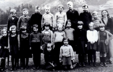 Patterdale School Children in 1937